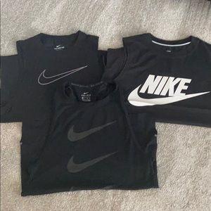Nike muscle tank bundle
